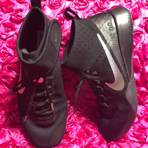 4282e2af16e Nike Air Zoom Strong 2 Selfie Women's